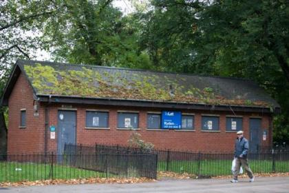 A derelict public loo in Glasgow is being offered for rent