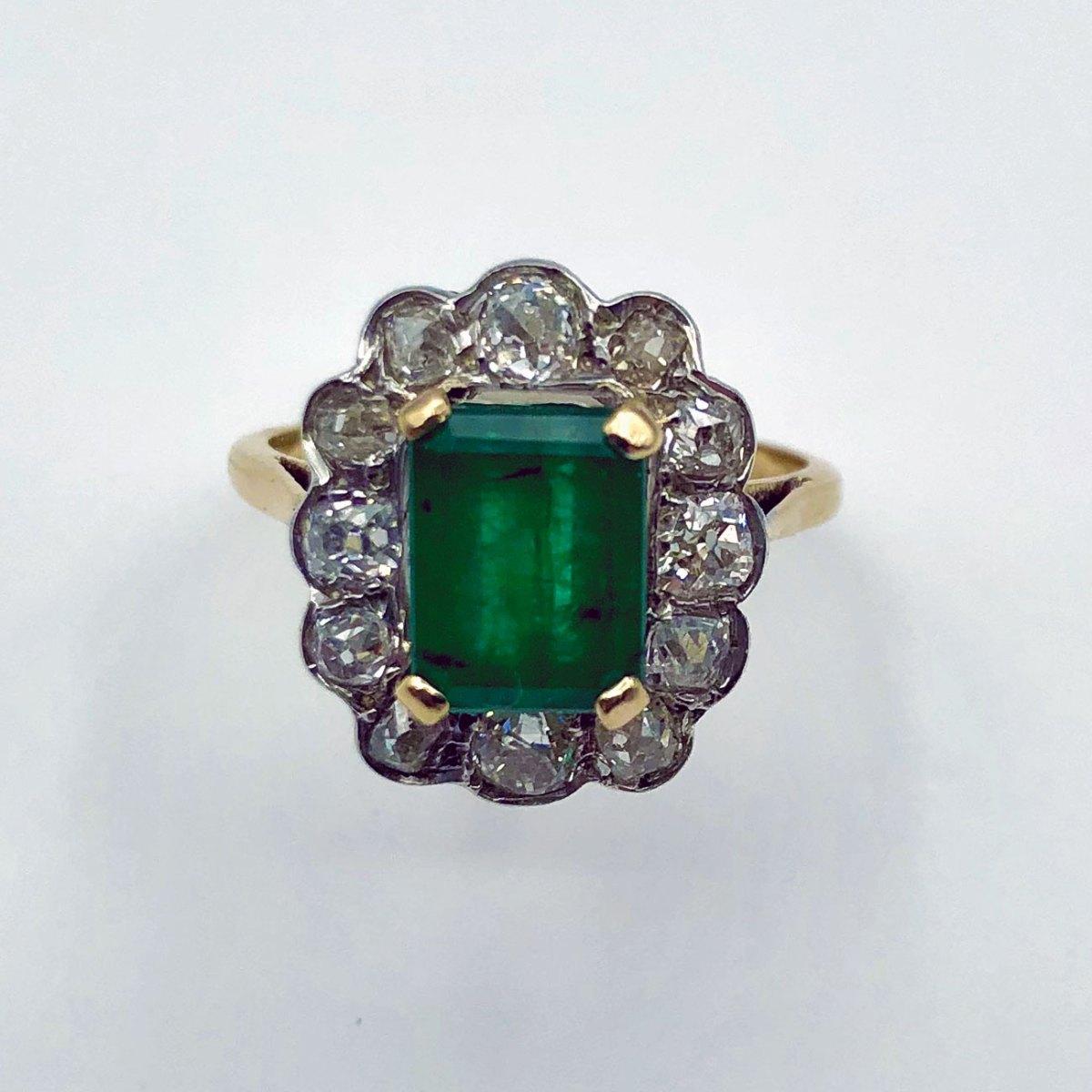 Bague ancienne Emeraude et Diamants, émeraude 1,52ct, diamants taille ancienne 1,30 ct, or jaune 18K, réf. BA-B17453, taille 53 ajustable. | EVENOR Joaillerie Vintage