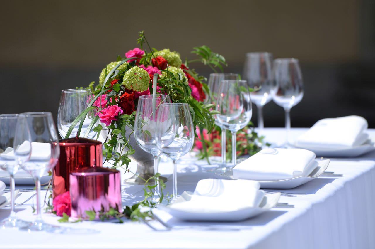 Dekoration Farbthema Pink  Rot  Event und Hochzeit Blog