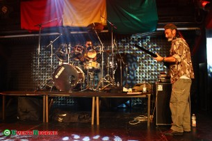 The-Roots-Defender-Band-live-firenze