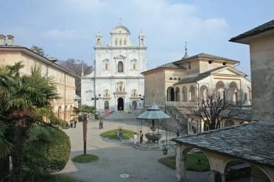 Vista della piazza, con la Basilica dell'Assunta sullo sfondo