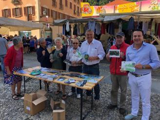 Sindaco e Amministratori di Varallo al mercato4