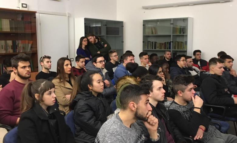 Photo of Varallo: Mostra e conferenza sulla Resistenza per gli studenti delle quinte IPSIA Magni