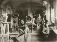 Allievi al lavoro nel Laboratorio Barolo, XIX sec.