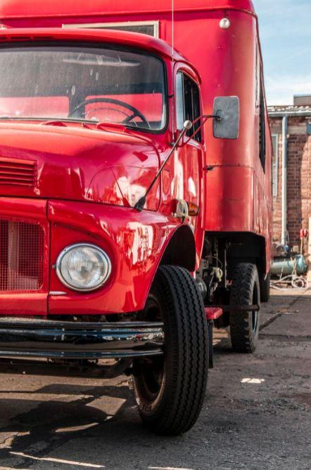 branding-eventmobil-foodtruck-messemobil-roadshow-truck-bau-koeln-8190