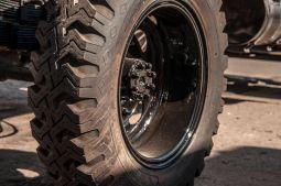 branding-eventmobil-foodtruck-messemobil-roadshow-truck-bau-koeln-8195