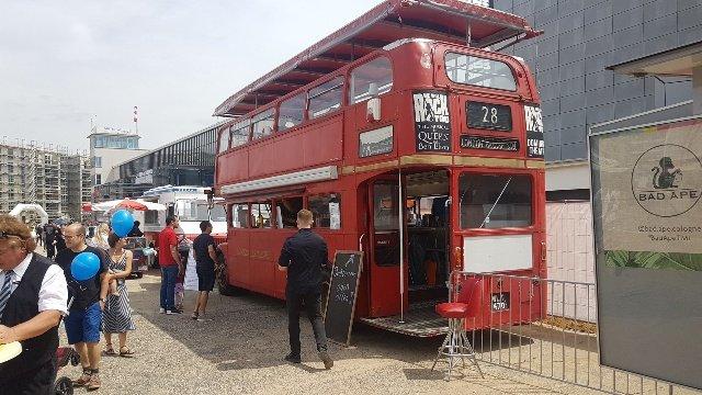 London Bus Gastro mit Hubdach - Motorworld Köln