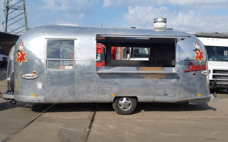 Vermietung-Airstream-Trailer-2-Klappen
