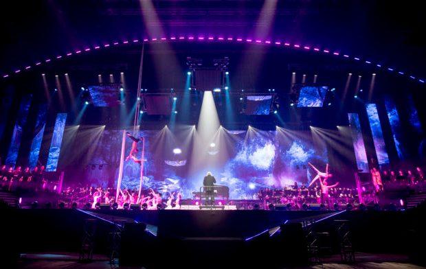 Nach gefeierten Erfolgen rund um den Globus – einer ausverkauften New Yorker Carnegie Hall und vier ausverkauften Shows an einem einzigen Wochenende in Budapest, kommt die HAVASI Symphonic Concert Show am 25. November 2017 zur deutschen Uraufführung in die Mercedes-Benz Arena in Berlin.
