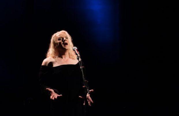 Berlin-Premiere Georgette Dee & Terry Truck Frühlingsrausch Die Königin des Chansons im Frühlingsrausch