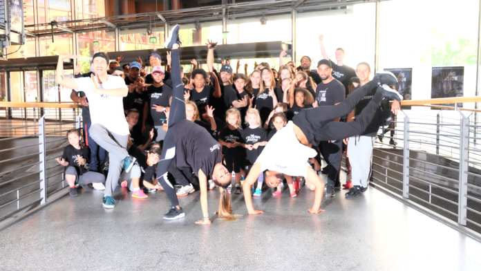 #FlyingIllusion, Tanzshow, Flying Steps,Misikshow,Breakdance,Urban Dance,Musik,Freizeit,Unterhaltung