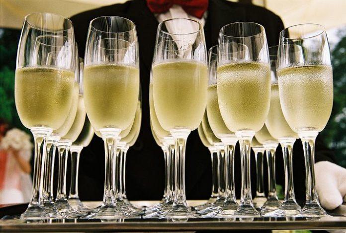 Prickelnder Champagner-Genuss,Berlin Capital Club,Berlin,Event,Champagner,Essen/Trinkem,#VisitBerlin,Freizeit,Unterhaltung