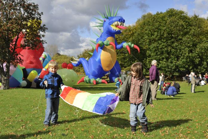 Britzer Garten, Veranstaltung,Freizeit,Unterhaltung,Drachenfest,Drachenflugtag