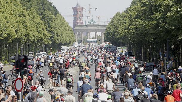 Berliner Fahrradsternfahrt des ADFC