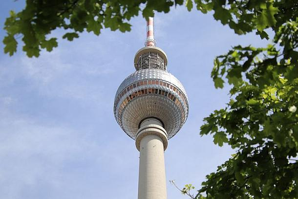 Berliner Fernsehturm wird 50 Jahre- Jubiläumfest am 3. Oktober
