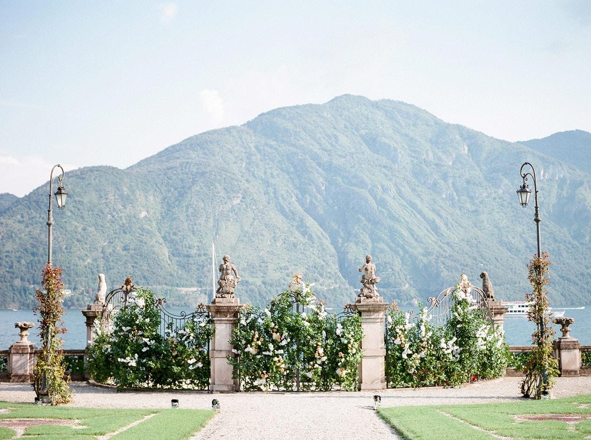 Villa Sola Cabiate gate
