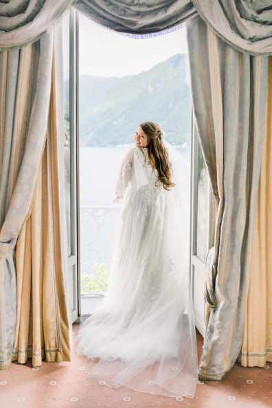 16-Lake-Lugano-destination-wedding-hotel-splendide-bridal-suite-Claire-and-Dennis-by-Eventoile