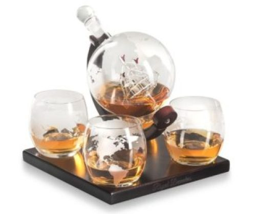 a1ed75aeeb47 EventOTB-Gifts-for-guys-decanter-glasses-globe