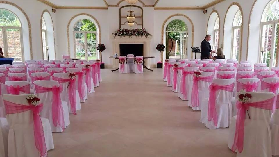 chair covers for weddings basingstoke modern events u venue decor specialists northbrook park wedding chaircovers