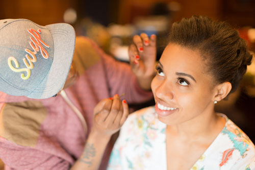 Bride getting makeup done in St. Louis | Events Luxe Weddings