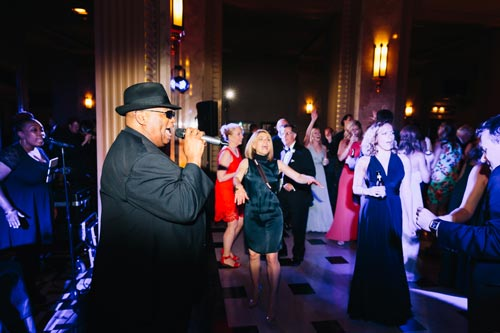 Charles Glenn sings at the Peabody Opera House wedding | Events Luxe Weddings
