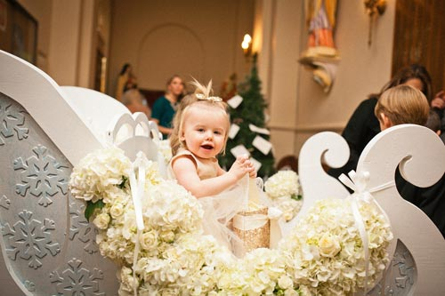 Wedding sleigh with flower girls | Events Luxe Weddings