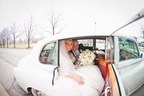 Leave wedding in white car for a winter wedding | Events Luxe Weddings