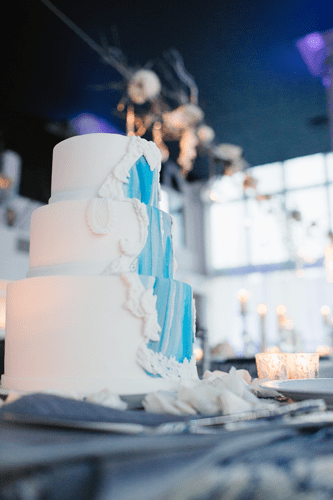 blue & Silver cake | Events Luxe Weddings