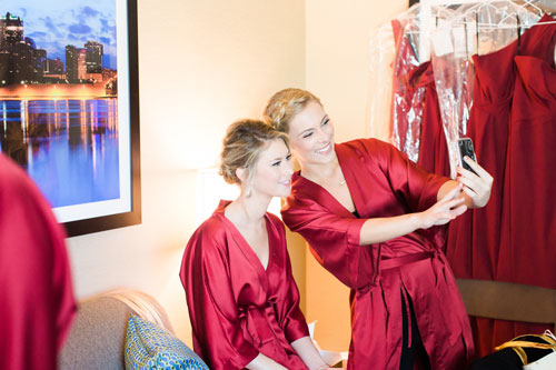 Bride getting ready red winter wedding | Events Luxe Wedding