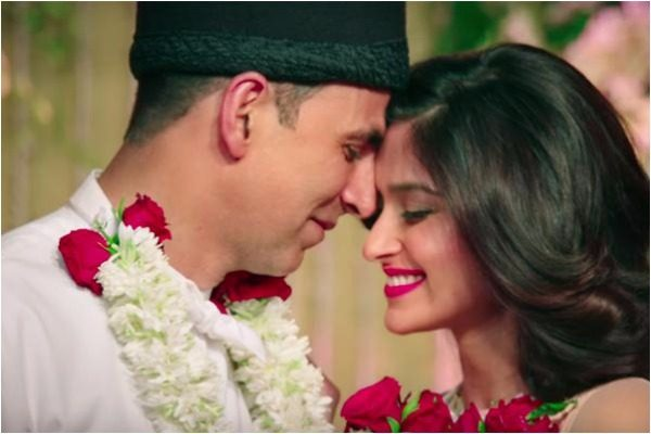 Akshay Kumar Starring Rustom's Trailer Seems Nail-Bitingly Promising