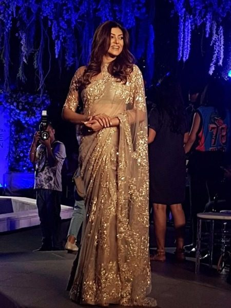 Sushmita Sen in Manish Malhotra at Lakme Fashion Week 2016