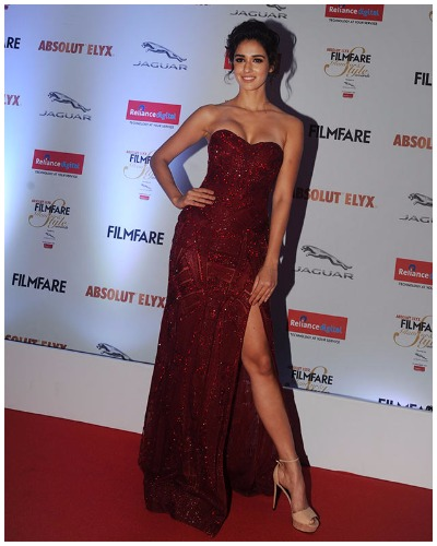 Disha Patani at Filmfare Glamour and Style Awards 2016