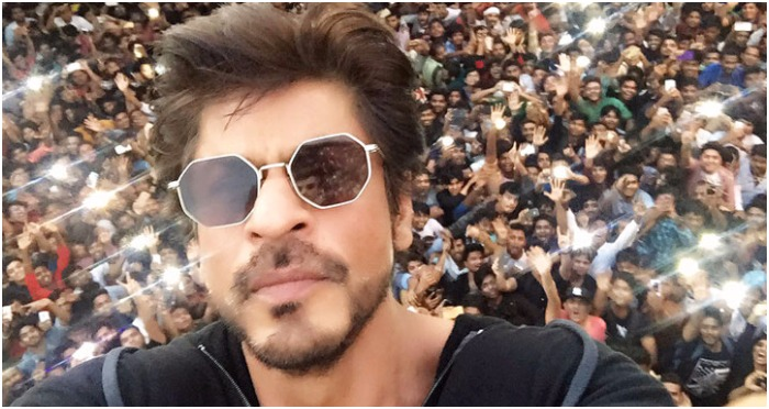 Video: Shah Rukh Khan Greeting His Fans On His 51st Birthday Will Give You Goosebumps