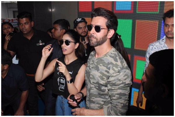 Hrithik Roshan Celebrity Inspired Military Outfits for summer