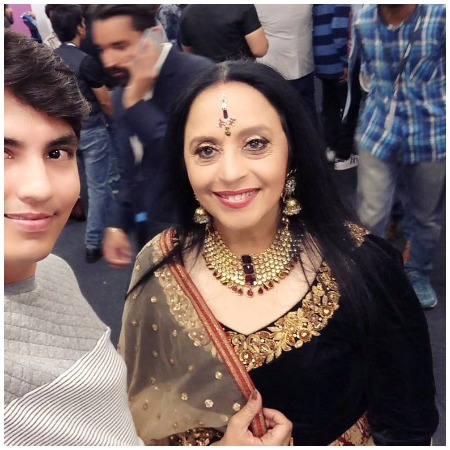 Ila Arun Best Dressed Bollywood Actors at Mirchi Music Awards 2017
