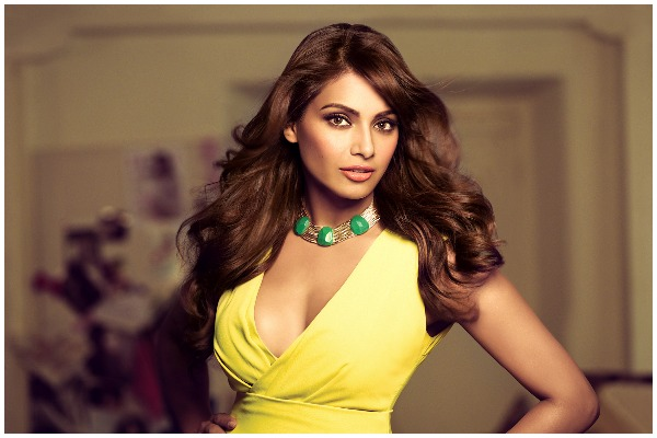 Bipasha Basu Penned An Open Letter Slamming London Organizers, Who Accused Her Of 'Unprofessional Behaviour'