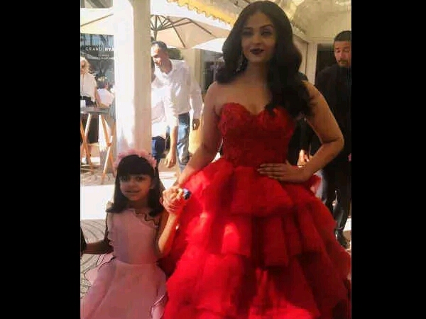 video of Aishwarya Rai with daughter Aaradhya from Cannes 2017