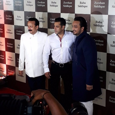 Shah Rukh Khan, Salman Khan, Iulia Vantur Attend Baba Siddique's Iftar Party