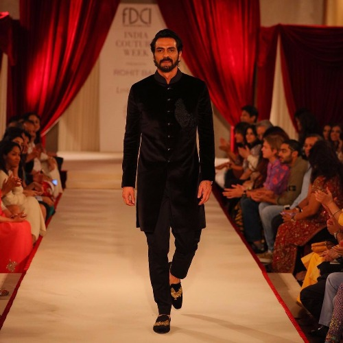 Indian Couture Week 2017 Arjun Rampal As Showstopper for Rohit Bal
