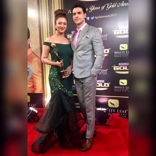 Divyanks Tripathi-Vivek Dahiya Zee Gold Awards 2017