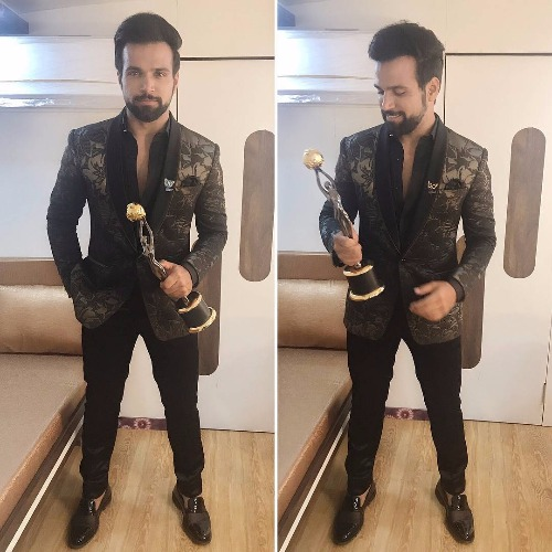 Rithvik Dhanjani at Zee Gold Awards 2017