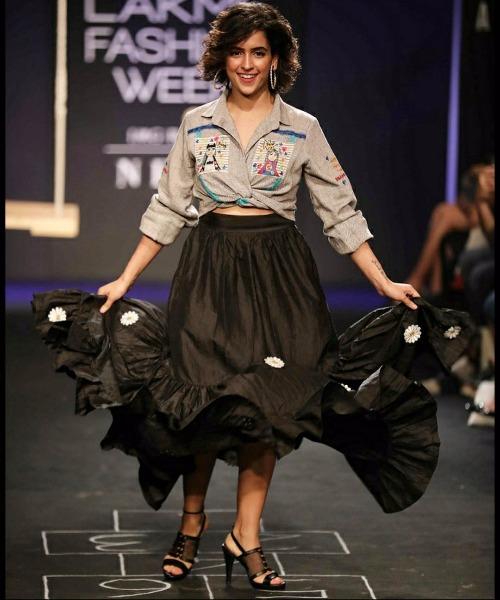 Lakme Fashion Week 17 Show Stopper Disha Patani Looks