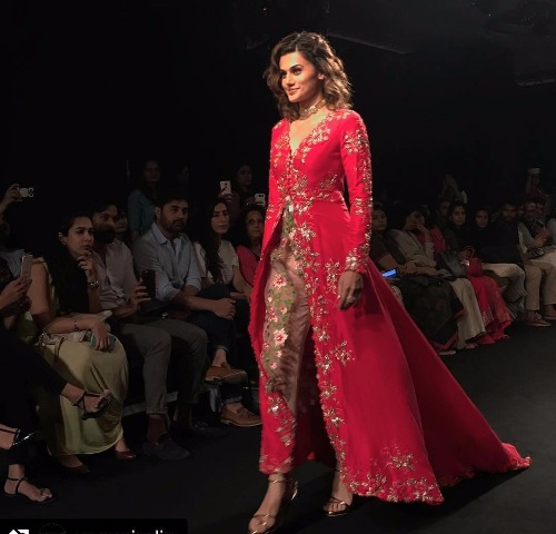 LFW 2017 Finale Tapsee Pannu showstopper