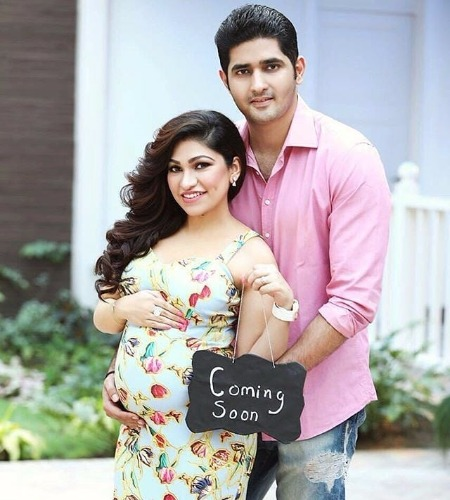 Tulsi Kumar pregnancy Adorable Maternity Shoot