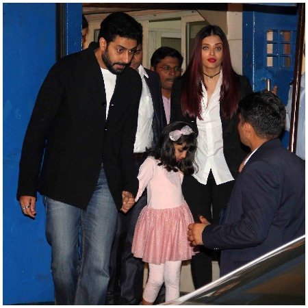 Aaradhya Bachchan AbRam's Dance Performances At Annual day