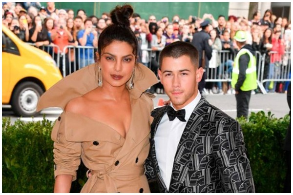 Hot Couple Alert: Priyanka Chopra – Nick Jonas Are Dating: Details Inside