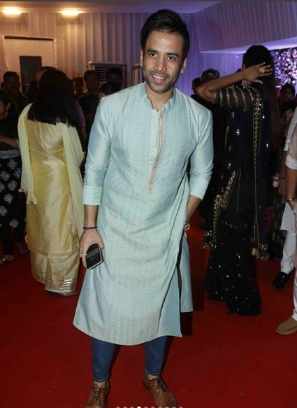 Tusshar Kapoor at Baba Siddique's Iftar Party