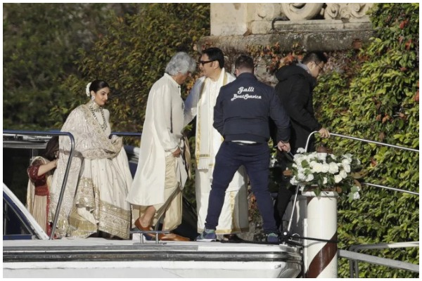 Pictures Videos Of DeepVeer's Wedding