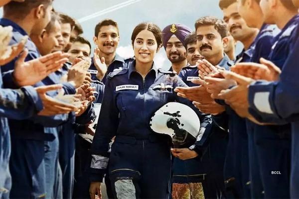 Gunjan Saxena The Kargil Girl Review Janhvi Kapoor Performance Is Poor But Story Is Crisp Eventznu Com