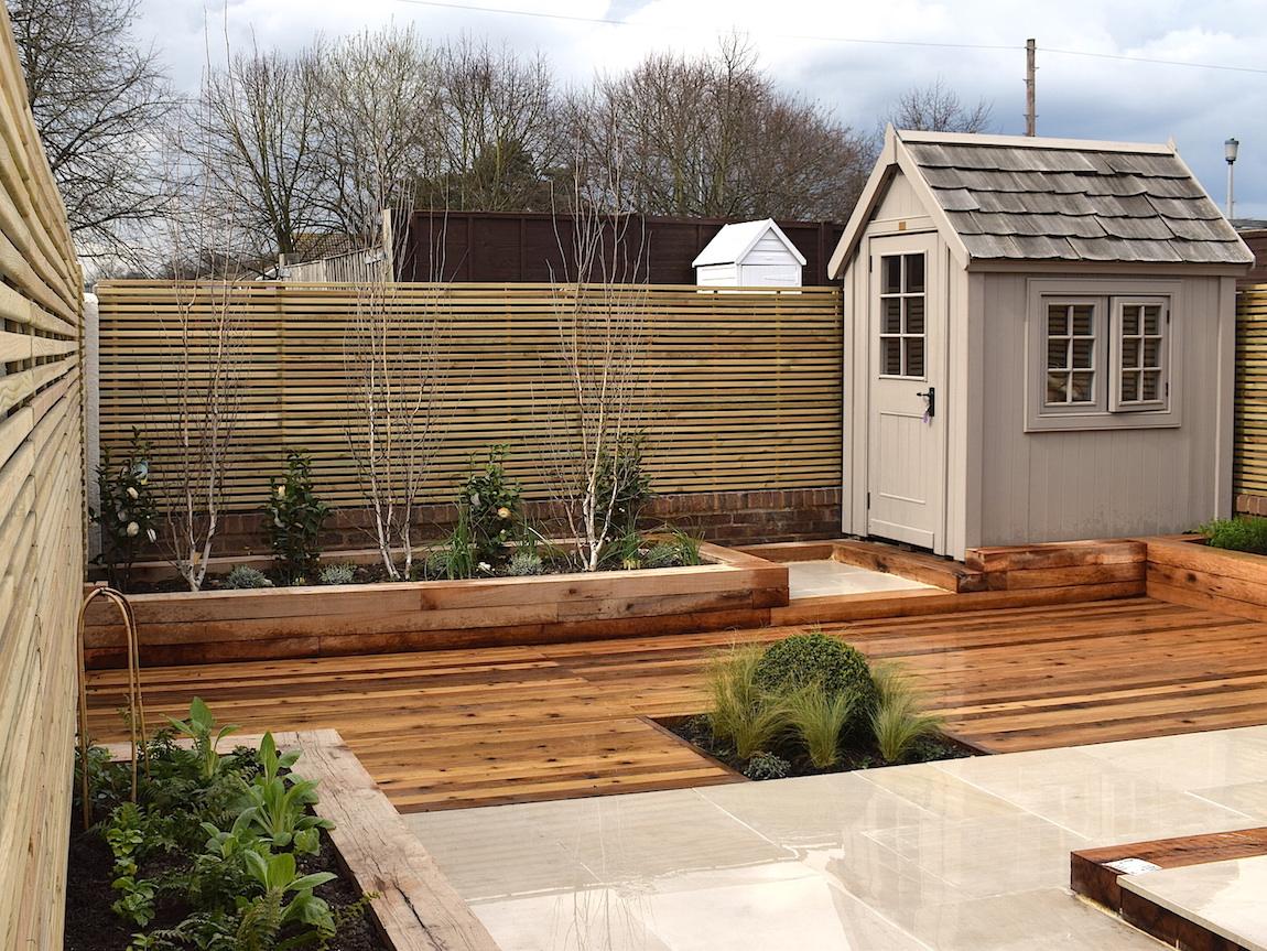 Old Stevenage Contemporary Garden After Pictures - April 16 ...